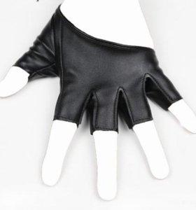 Женские кожаные перчатки для фитнеса