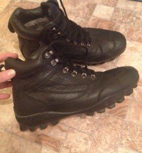 Продам зимние ботинки OUTVENTURE