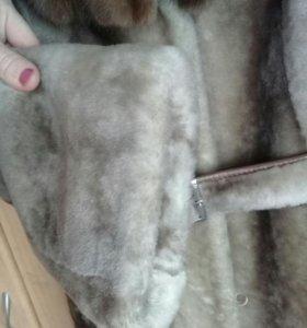 Шуба мутоновая с норкой