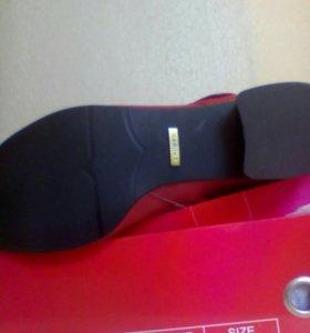 Сапоги кожаные новые на узкую ногу без подьема