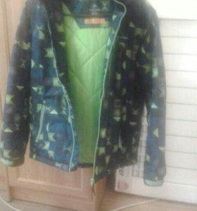 Куртка осень весна,отличное состояние, наяву ярче