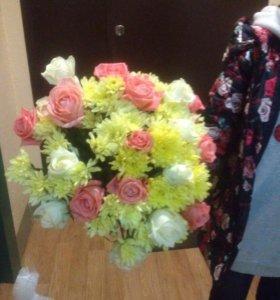 Букет розы хризантемы