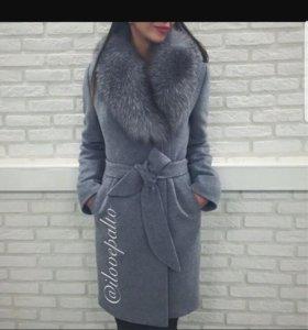 Пальто зимние с натуральным мехом