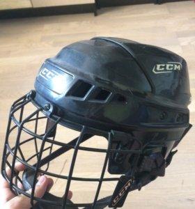 Шлем хоккейный с решеткой