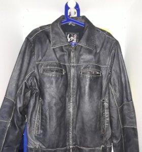 Кожанная куртка GUESS