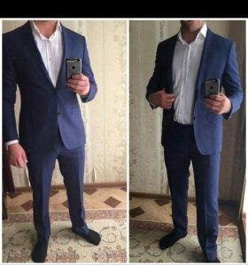 Продаю костюм.
