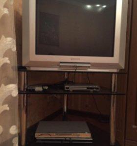 Телевизор вместе с подставкой