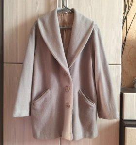 Пальто шерстяное в стиле Oversize