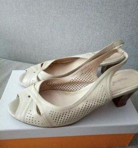 Туфли открытые бежевые
