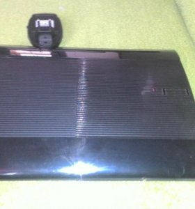 PlayStation 3 с 2 дисками и кабель HDMI с камерой
