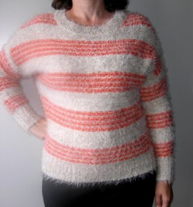 свитер с пайетками