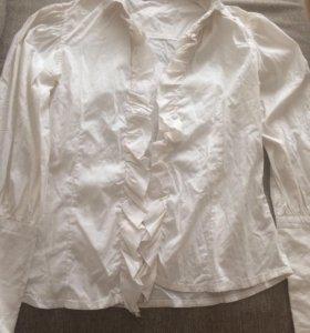 Белая стрейчевая блузка 146р-р