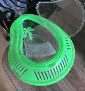 Домик-контейнер для земноводных