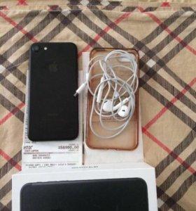 iPhone 7, 32Гб черный матовый