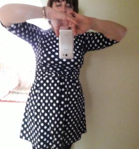 Платье выше колена приталенное. 46-48р.