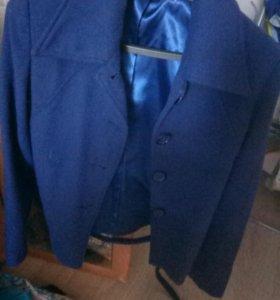 Полу пальто ,покупала 2500,одела только раз