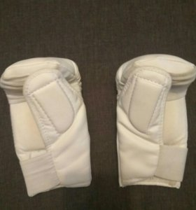 Перчатки защитные.