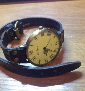 Часы с японским механизмом.