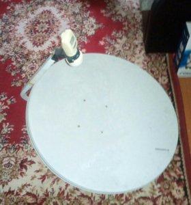 Тарелка спутникового телевидения