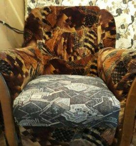 два мягких кресла