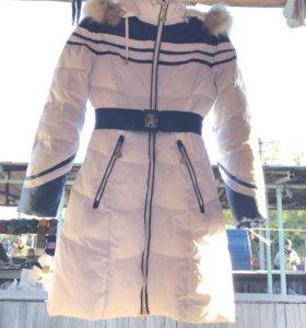 Продам пальто зимнее на девочку торг