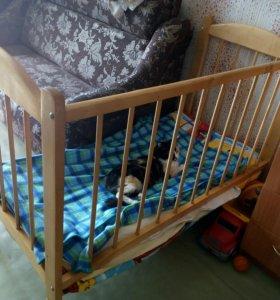 Кроватка +матрасик
