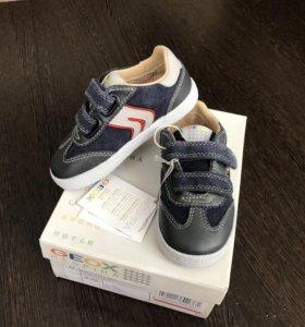 Новые кроссовки Geox