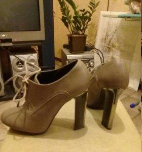 Продам ботинки и туфли новые