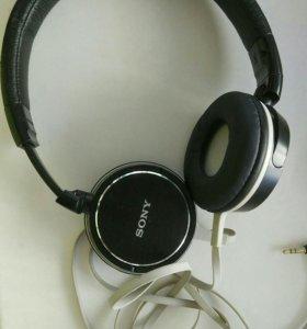 Наушники Sony MDR-ZX600