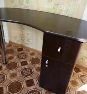 Маникюрный стол новый