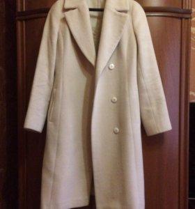 Пальто демисезонное,