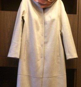 Демисезонное брендовое пальто M. Reason.