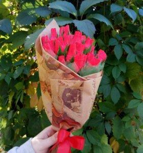Букет из 25 роз с конфетами