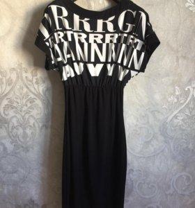 Стильное платье Piena