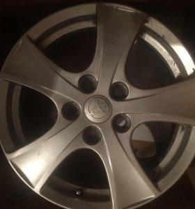 Оригинальный литой диск Toyota