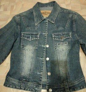 Куртка джинсовая,короткая,$,40-42