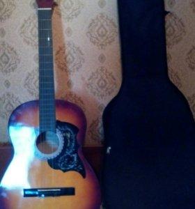Гитара акустическая...