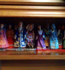 Коллекция фарфоровых куколок