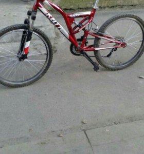 Велосипед 2014 года .подростковый.скоростной