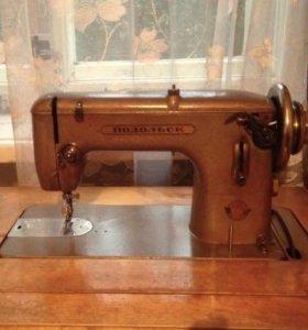 Швейная машинка Подольск с ножным приводом