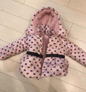 Курточка для девочки. Новая