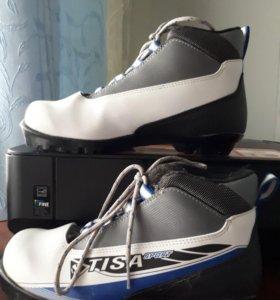 Лыжные ботинки 39р