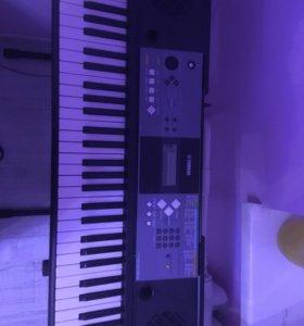 Синтезатор Yamaha psr e-233