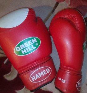Продам боксерские перчатки GREEN HILL HAMED.
