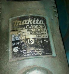 Болгарка Makita GA9020S