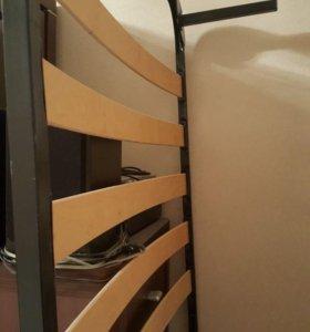 Кровать 2×90 без матраса.