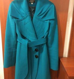 Пальто женское размер 44