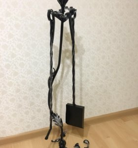 Кочерга и совок на подставке