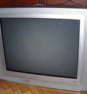 Телевизор Philips 21PT5207. 21 дюйм.