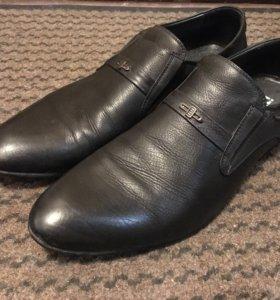 Мужские кожаные туфли 43 размера